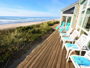 3 for 2! Amazing oceanfront HOUSE with gorgeous whitewater view!