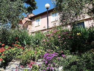 Casa Oleandro A: Una elegante ed accogliente casa indipendente su due piani.