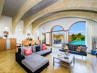 The Arches Holiday Home