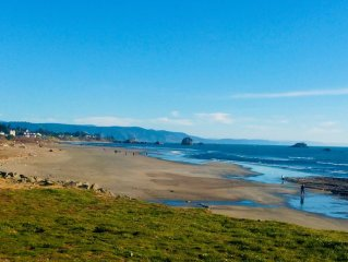Footsteps to Pebble Beach & Short Drive to Redwoods