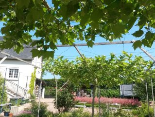 No extra costs! Beautiful property in the Morvan with very large garden and Wifi