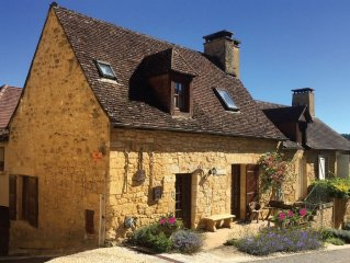 Beautifully restored cottage in Domme - Furnished to exacting standards