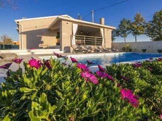 Neue Design Villa, in grunen herzen von Istrien, ideal fur Familienurlaub