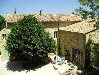 Maison provençale du 19eme siècle avec piscine entre Uzès et Avignon