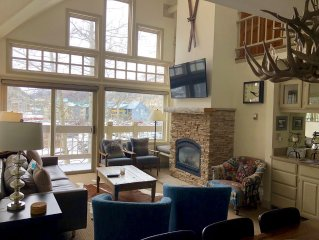 March Ski Discount! Spacious ski in/out Tride condo 3BR + loft,  Lift 7, hot tub