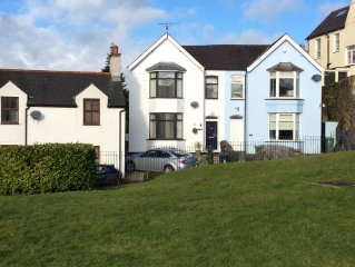 A Delightful Property Situated Near The Banks Of The Menai Straits (free wifi)