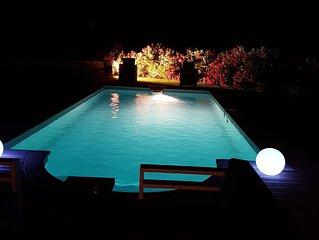villa  piscine privée , 1 km  plages  Cavalaire