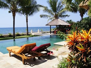 Luxury Beach Front Villa with Infinity Pool, Staff and Breathtaking Views!