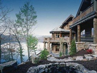 Magnificent Nantahala Lakeside Cabin!