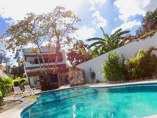 Huge Swimming Pool, Patio, Spacious Living Area And Walk To Everything