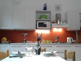 Padua Bright apartment,Free Wifi,Free Parking,5 min from the tram