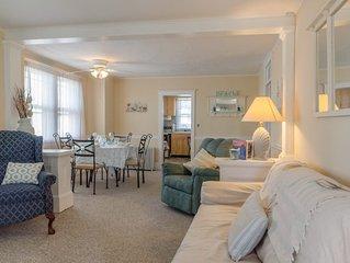Pet friendly, charming, 2 bedroom, 1 bath, next to SJ Marina, close to Marinas.