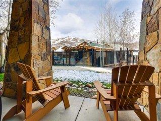 Bright Poolside Condo w/Private Patio, Mountain View & Winter Shuttles!