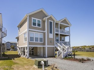 Family Friendly /4 BR /1 block to Beach & private ICW dock access /Free WiFi