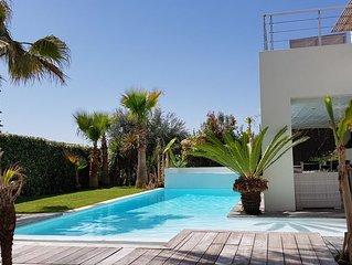 Villa 190m²  8 pers, piscine chauffée, vue exceptionnelle, jardin exotique