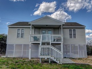 BELLA BEACH HOUSE: 3 BR / 2 BA ocean view in N Topsail Beach, Sleeps 9