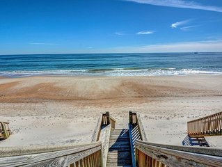 ISLAND TIME ESCAPE: 4 BR / 4 BA oceanfront in Surf City, Sleeps 12, Elevator