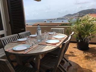 Duplex a Ajaccio, entre deux plages, vue mer, 7 per, 3 chb, 2sdb, 3 terrasses