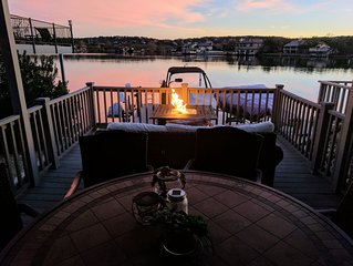 �Luxury East Facing Open Water Boat Slip, Pool, Deck, Near Yacht Club & Resort⛱