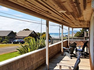 Amazing Master view suite, one house from oceanfront, large covered porch