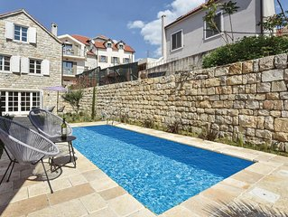 3 bedroom accommodation in Split