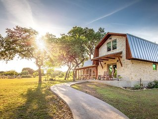 Large Farmhouse on 5 acres near Wineries, Salt Lick, Wedding Venues, River