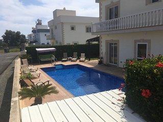 3 Bed Villa Nr Nissi Beach & Sandy Bay. Private Pool, Sea Views, FREE WiFi/UK TV