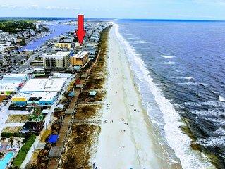 Beach Harbour * The Boardwalk - Walk to beach, boats, boardwalk, drink & dine.