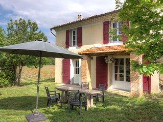 Gite sur propriété de 35ha dans le luberon à 25km d'Aix en Provence