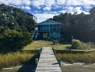 SOUND DOG: 2 BR / 2 BA soundfront with private dock in Topsail Beach, Sleeps 4