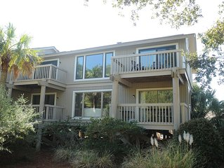 Best deal at the beach. WiFi, Pool, & Walk To The Beach. 2nd unit available
