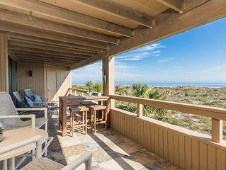 Oceanfront - 3 Bedroom Renovated 1,800 sq ft. Huge Balcony -  Casual Elegance