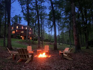 Private Retreat on 10 Acres Minutes from Monticello, Wineries & Charlottesville!