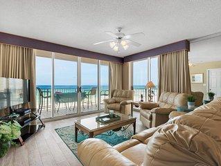 Spectacular Ocean Front Luxury Condo, Ocean View,  - November - Dec.  Savings !