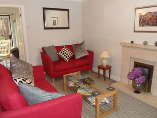 SPECIAL OFFER on a pet-friendly 4 STAR rated cottage 5 minute walk from Skipton