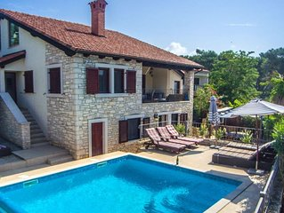 Seafront, Stone, Air Conditioned Villa, Private Pool, 14 Mins To Pula Airport