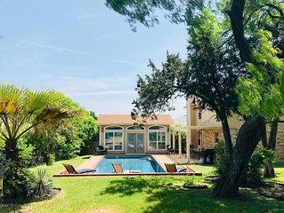 San Antonio Pool Paradise W/ 4 Bedrooms, Guest House, & Fruit Trees Galore!