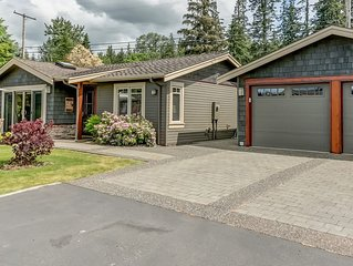 Cozy 2 Bedroom Cottage in Quiet Setting near Lake Whatcom 2617 North Shore Rd.