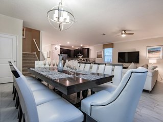 Luxury on a budget - Champions Gate Resort - Amazing Spacious 9 Beds 5 Baths Vil