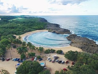 Beachfront Paradise With Breathtaking Ocean Views!Private access to Beach. Wifi