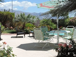 Luxury Get-A-Way, off the strip. Close to the Mountains  and Hiking Trails