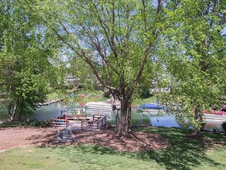Waterfront Lake Norman Cottage, Boat Rental, RNC Ready easy drive to Charlotte