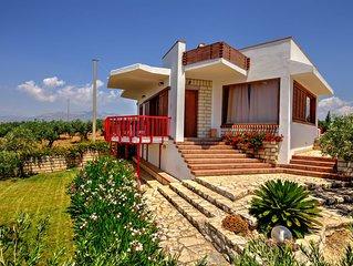 Affascinante villa con vista mare in una delle più suggestive zone della sicilia