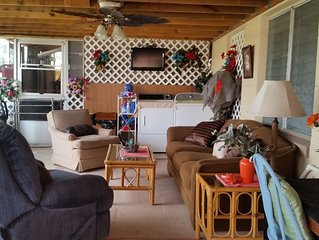 EXTRA LARGE MOTHER IN LAW APARTMENT-GREAT FOR ONE NIGHT FOR WEEKS VACATIONS