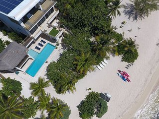 5TH NIGHT FREE - 5-Bedroom, Architectural Masterpiece on a Secluded Beach