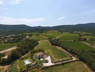 Beautiful provencal villa surrounded by vignes close to St Tropez Heated pool AC