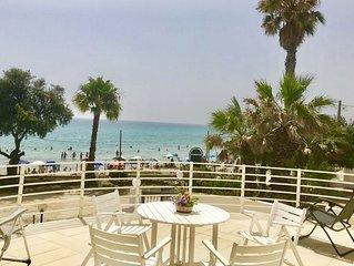 Villa a San Lorenzo a soli 5 metri dalla spiaggia dorata e dal mare cristallino.