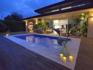 New Modern Home-WALK To The BEST Beach in Uvita!!! Playa Colonia
