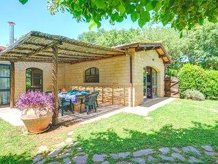 Maremma Toscana, grande villino bifamiliare con giardino, vicino al mare