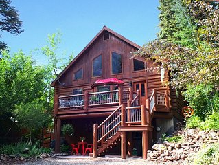 Beautiful, 3-story Log Home near Ouray with Mountain Views